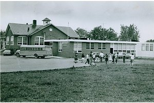 Picture of Middleburg School in 1998