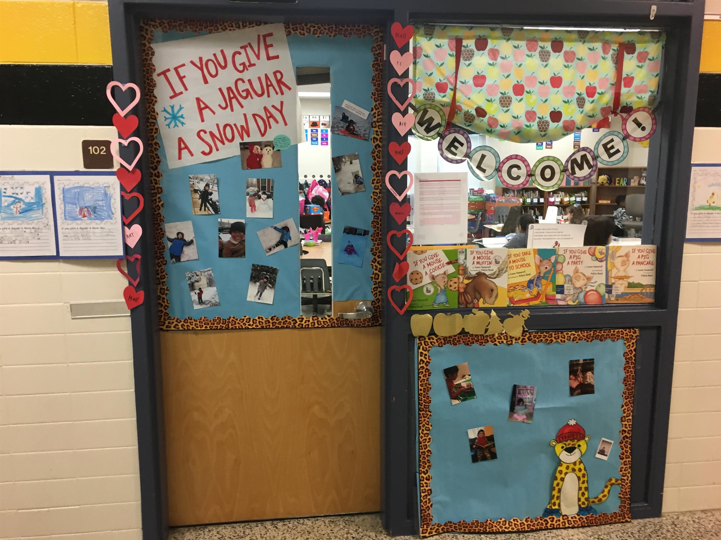 Ms.Maslowe's winning door for Reading Week!