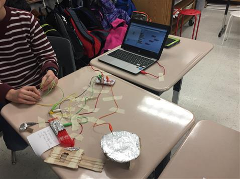 5th Grade makes musical magic with Makey Makey