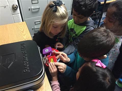 "Kindergarten ""Breaks Out!"" of the SMART Lab"